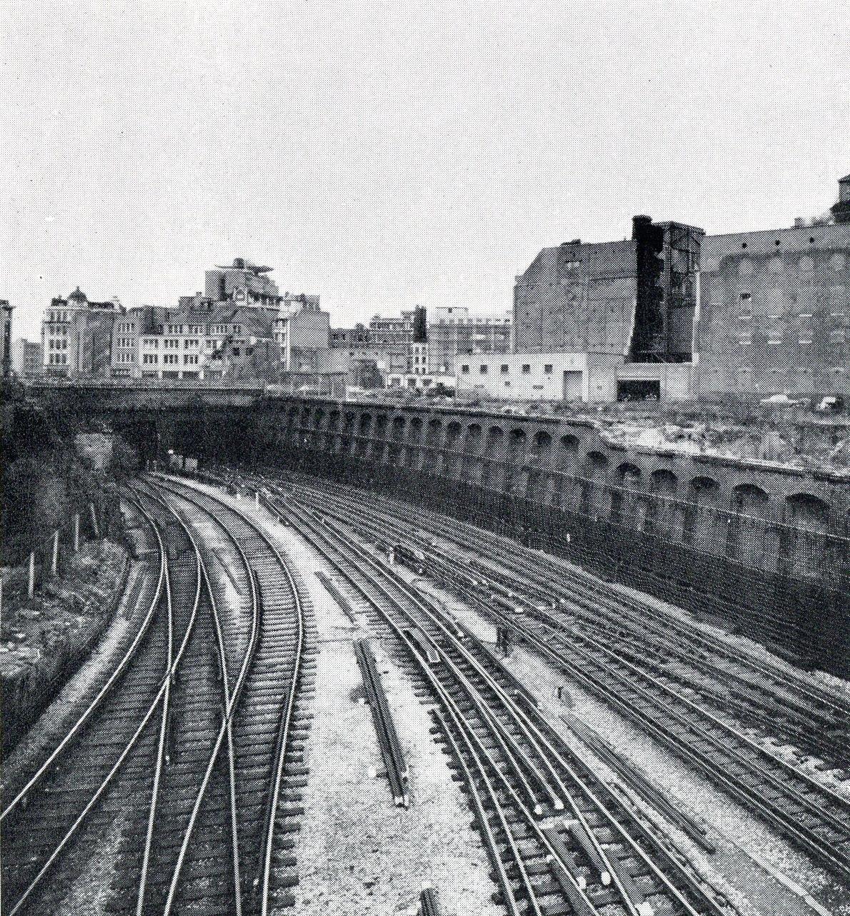 img 1959 0014 - A mystery London scene!